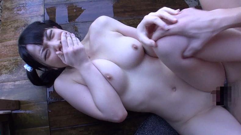 【おっぱい】露天風呂を貸し切りにして美乳な彼女と思う存分セックス!!湯船にザーメン浮いちゃった露天風呂セックスのおっぱい画像集w【80枚】 08