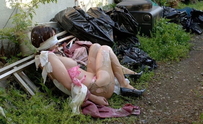 【おっぱい】美女のブラウスや制服をビリビリに破って美乳をボロンと露出させてレイプ調教したった服破りのおっぱい画像集ww【80枚】 16