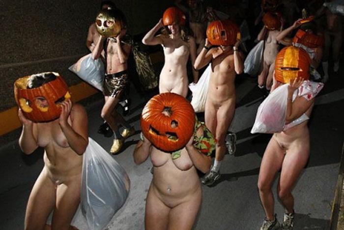 【おっぱい】ハロウィンで泥酔しヒャッハー状態で胸を強調したり露出してる仮装素人女子のおっぱい画像集w【80枚】 73