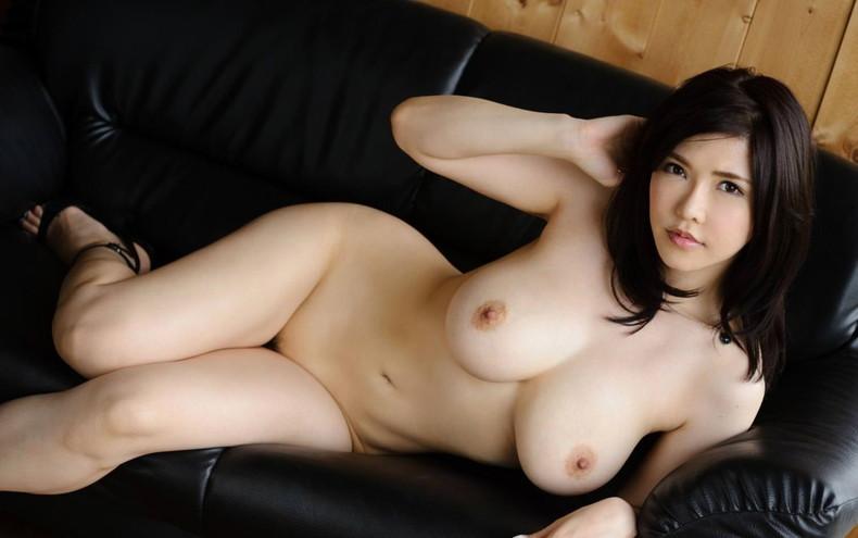 【おっぱい】ハイヒール履いたまま全裸で美脚と美巨乳を主張させてるハイヒールおっぱい画像集【80枚】 39