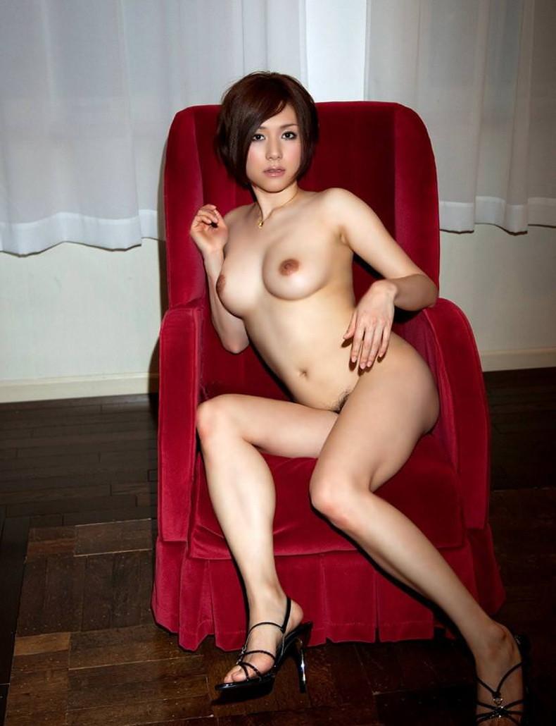 【おっぱい】ハイヒール履いたまま全裸で美脚と美巨乳を主張させてるハイヒールおっぱい画像集【80枚】 75