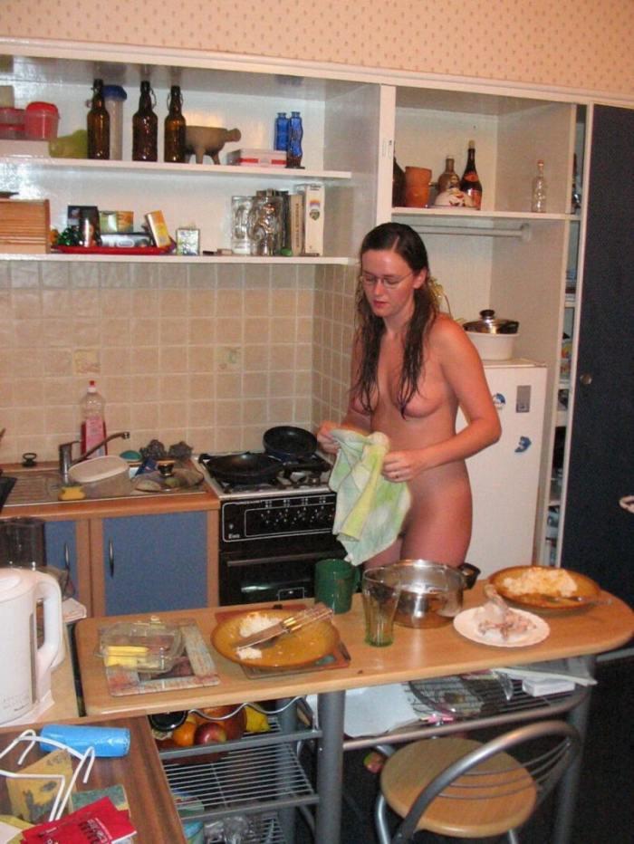 【おっぱい】キッチンで料理作らず子作りしちゃって美乳露出する台所おっぱい画像集w【80枚】 78