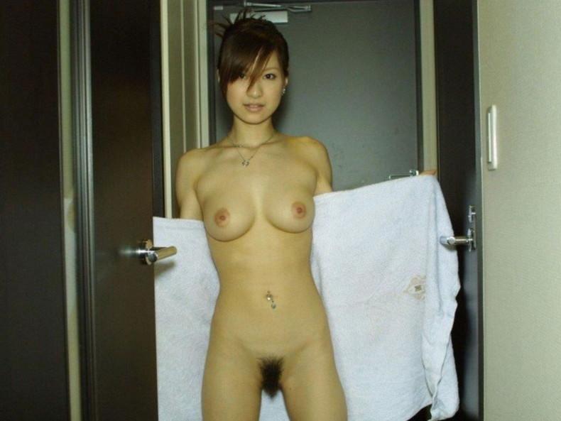 【おっぱい】風呂上がり美女のバスタオルがハラリと取れて見えるおっぱいは格別にエロい!バスタオルのおっぱい画像集ww【80枚】 15