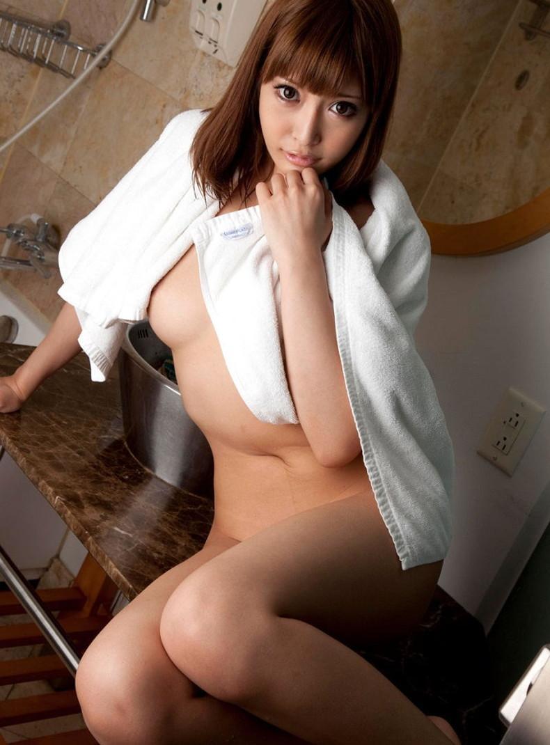 【おっぱい】風呂上がり美女のバスタオルがハラリと取れて見えるおっぱいは格別にエロい!バスタオルのおっぱい画像集ww【80枚】 73