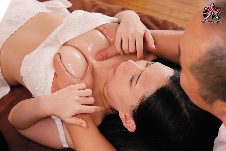 【おっぱい】巨乳過ぎて肩がこる女性たちに整体師がスペンス乳腺調教!自慢のおっぱい弄ってセクハラしまくる整体おっぱい画像集ww【80枚】