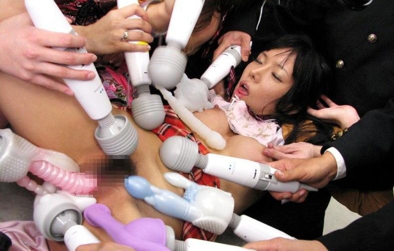 【おっぱい】乳首に電マをあてられビンビンに勃起して美乳がブルンブルン揺れてる乳首電マのおっぱい画像集ww【80枚】 73