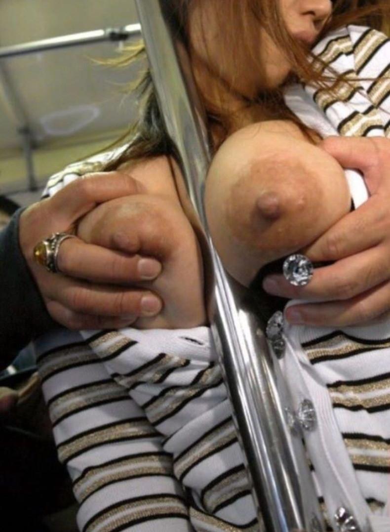 【おっぱい】バスや電車で乳首露出させられ痴漢や輪姦されちゃってるOLやJK達の痴漢おっぱい画像集【80枚】 29