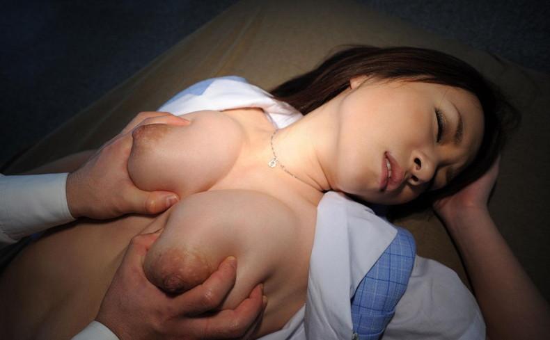 【おっぱい】柔らか巨乳もロリな貧乳も前から後ろから揉みまくったパイモミおっぱい画像集!w【80枚】 21