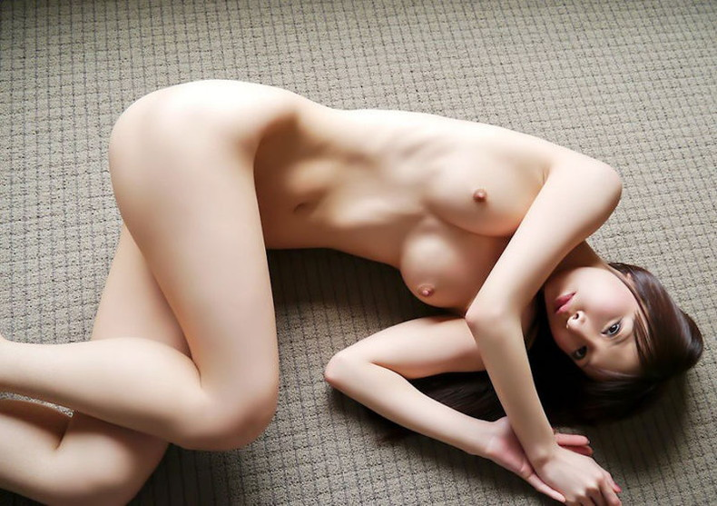 【おっぱい】ロリカワ過ぎて全部口に含んで舐めたくなる小さい乳首のおっぱい画像集ww【80枚】 14