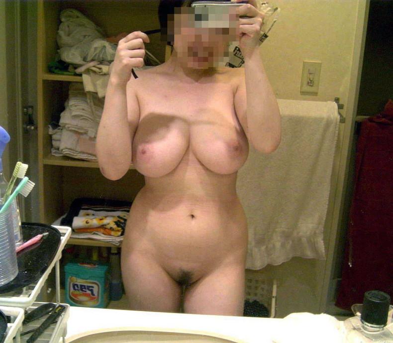 【おっぱい】デカパイ自慢の変態露出狂女子たちが乳首や手ブラおっぱいを自撮りして晒してくれた自撮り露出のおっぱい画像集!ww【80枚】 11