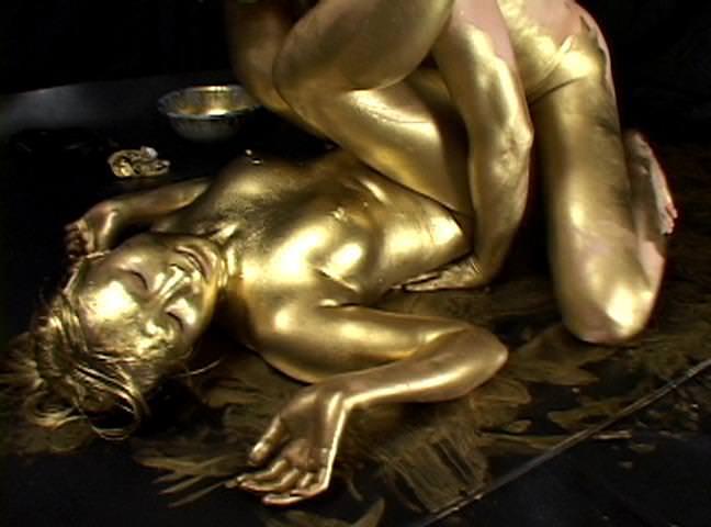 【おっぱい】金粉銀粉塗られて神々しくなってる黒ギャルならぬ金銀ギャルたちの金粉おっぱい画像集【80枚】 19