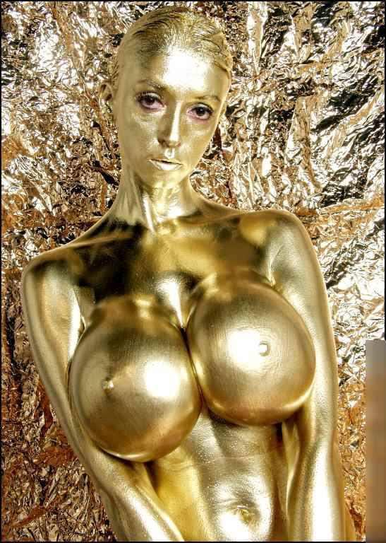 【おっぱい】金粉銀粉塗られて神々しくなってる黒ギャルならぬ金銀ギャルたちの金粉おっぱい画像集【80枚】 20