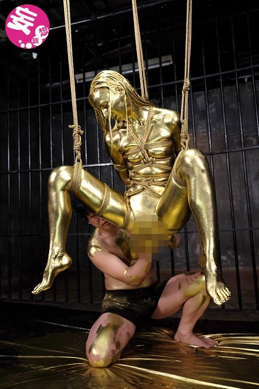 【おっぱい】金粉銀粉塗られて神々しくなってる黒ギャルならぬ金銀ギャルたちの金粉おっぱい画像集【80枚】 24