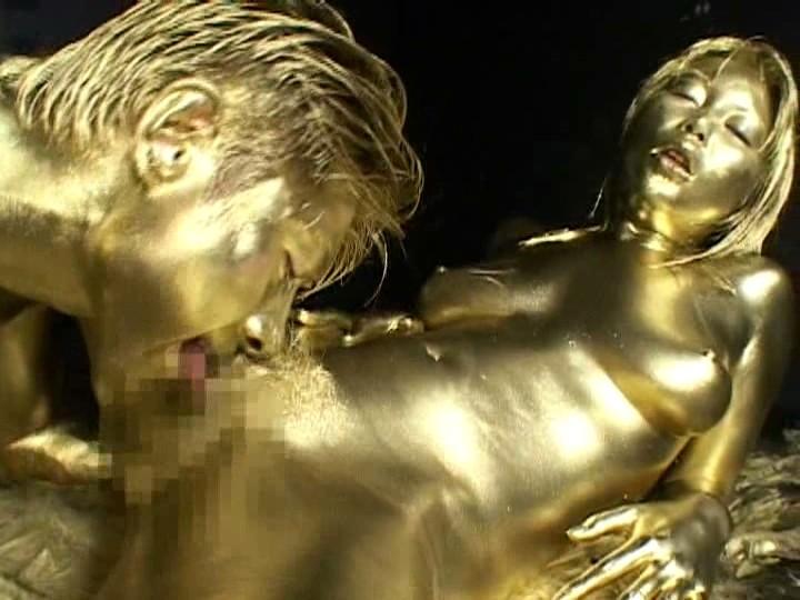 【おっぱい】金粉銀粉塗られて神々しくなってる黒ギャルならぬ金銀ギャルたちの金粉おっぱい画像集【80枚】 49