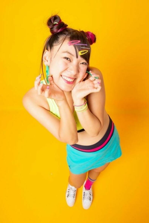 【おっぱい】スポーツブラ巨乳がエロ過ぎるユーチューバー芸人フワちゃんの胸チラおっぱい画像集!ww【80枚】 34
