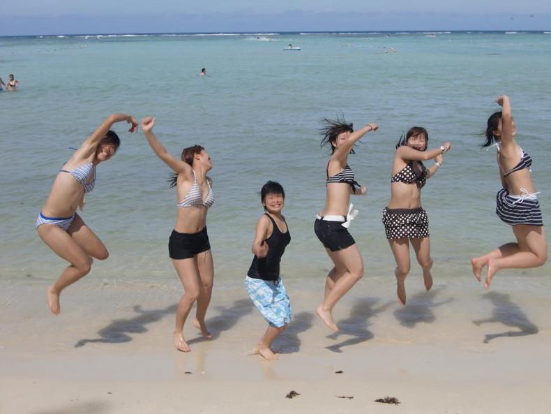 【おっぱい】おっぱい晒しながらジャンプして宙に浮いてる瞬間のおっぱいをとらえたジャンプヌードのおっぱい画像集!ww【80枚】 37