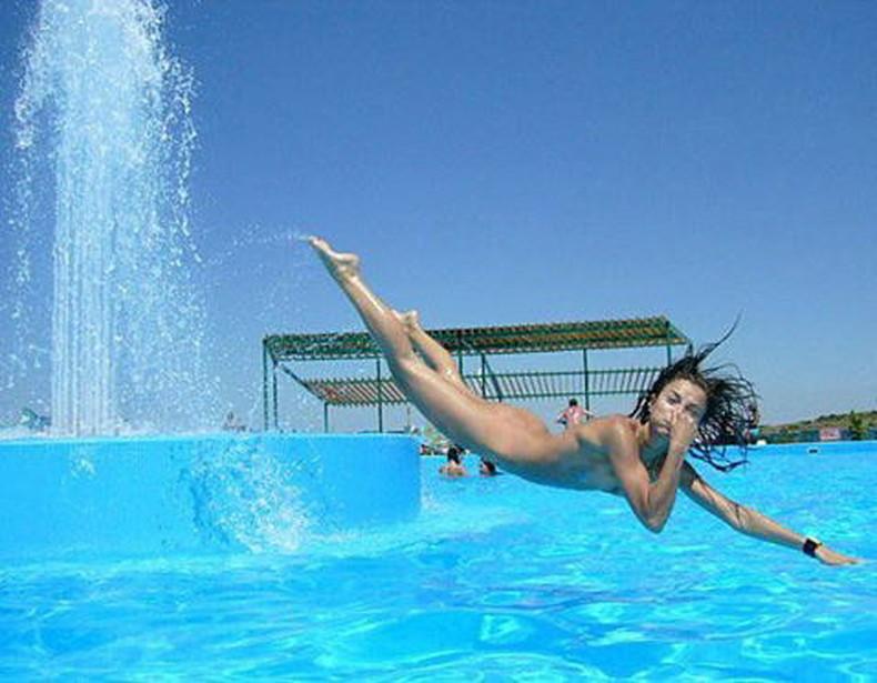 【おっぱい】おっぱい晒しながらジャンプして宙に浮いてる瞬間のおっぱいをとらえたジャンプヌードのおっぱい画像集!ww【80枚】 73