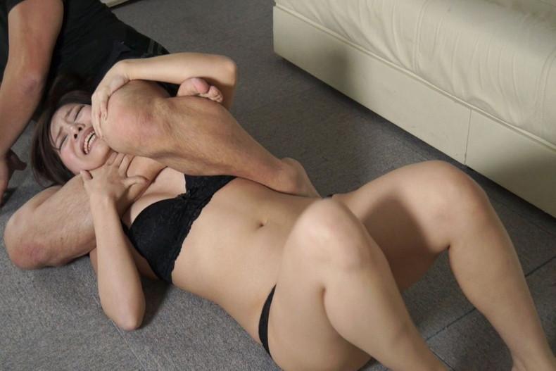 【おっぱい】乳首弄りながらキューッと絞めて鬱血状態にするとアソコもキューっと締まるらしい首絞めおっぱい画像集【80枚】 06