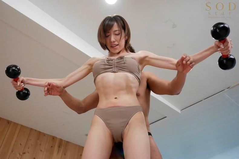 【おっぱい】筋力も性欲も強そそうなガッチリ肩幅女子のおっぱい画像集!ww【80枚】 23