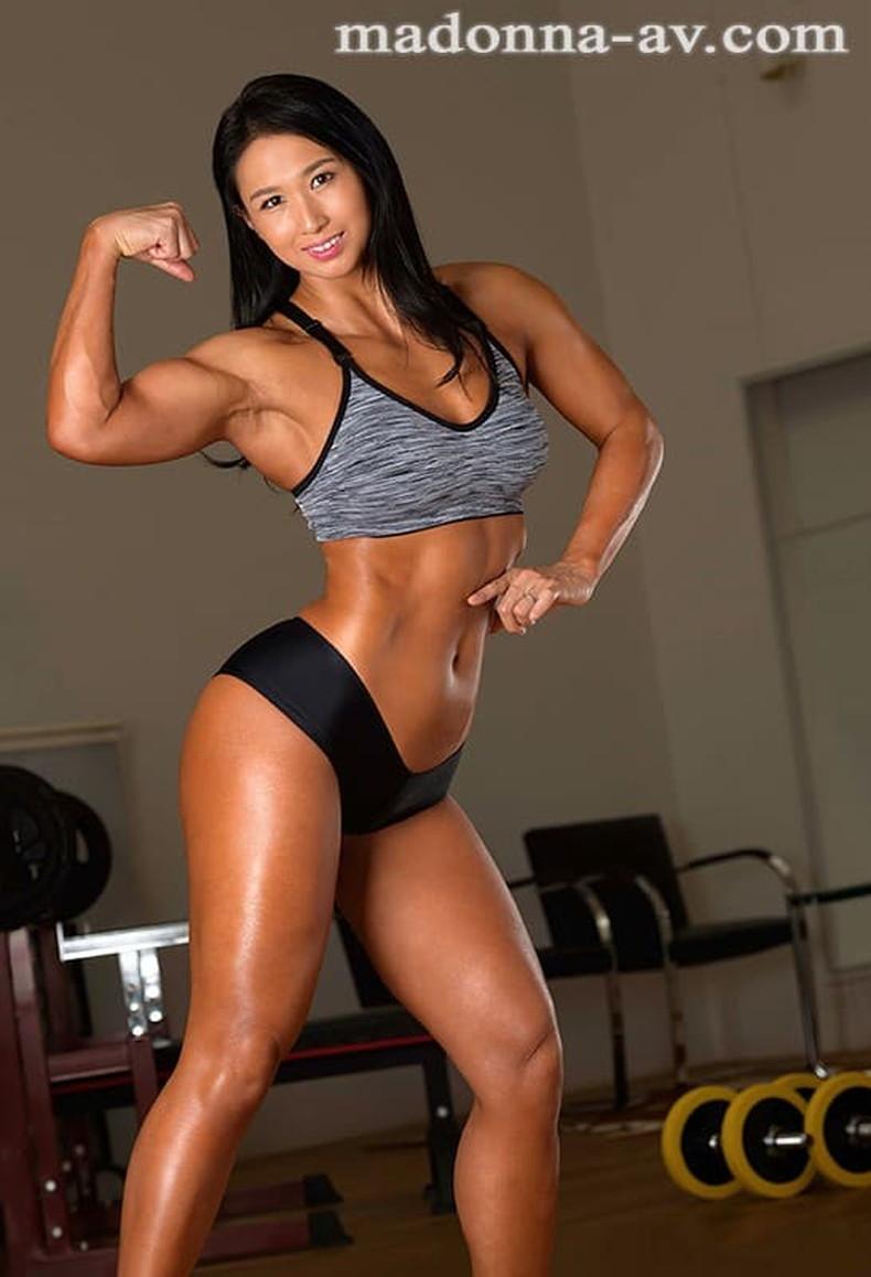 【おっぱい】筋力も性欲も強そそうなガッチリ肩幅女子のおっぱい画像集!ww【80枚】 31