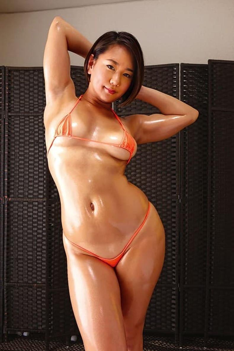 【おっぱい】筋力も性欲も強そそうなガッチリ肩幅女子のおっぱい画像集!ww【80枚】 57