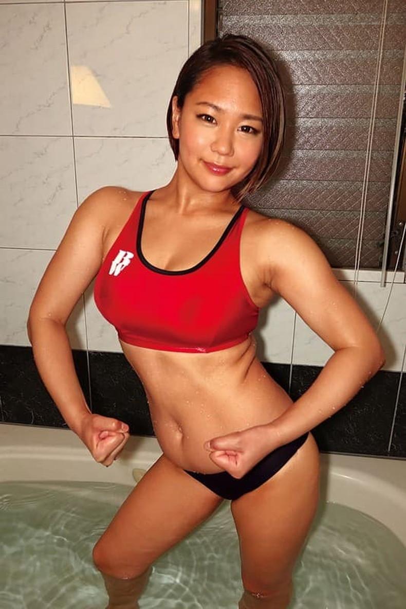 【おっぱい】筋力も性欲も強そそうなガッチリ肩幅女子のおっぱい画像集!ww【80枚】 68