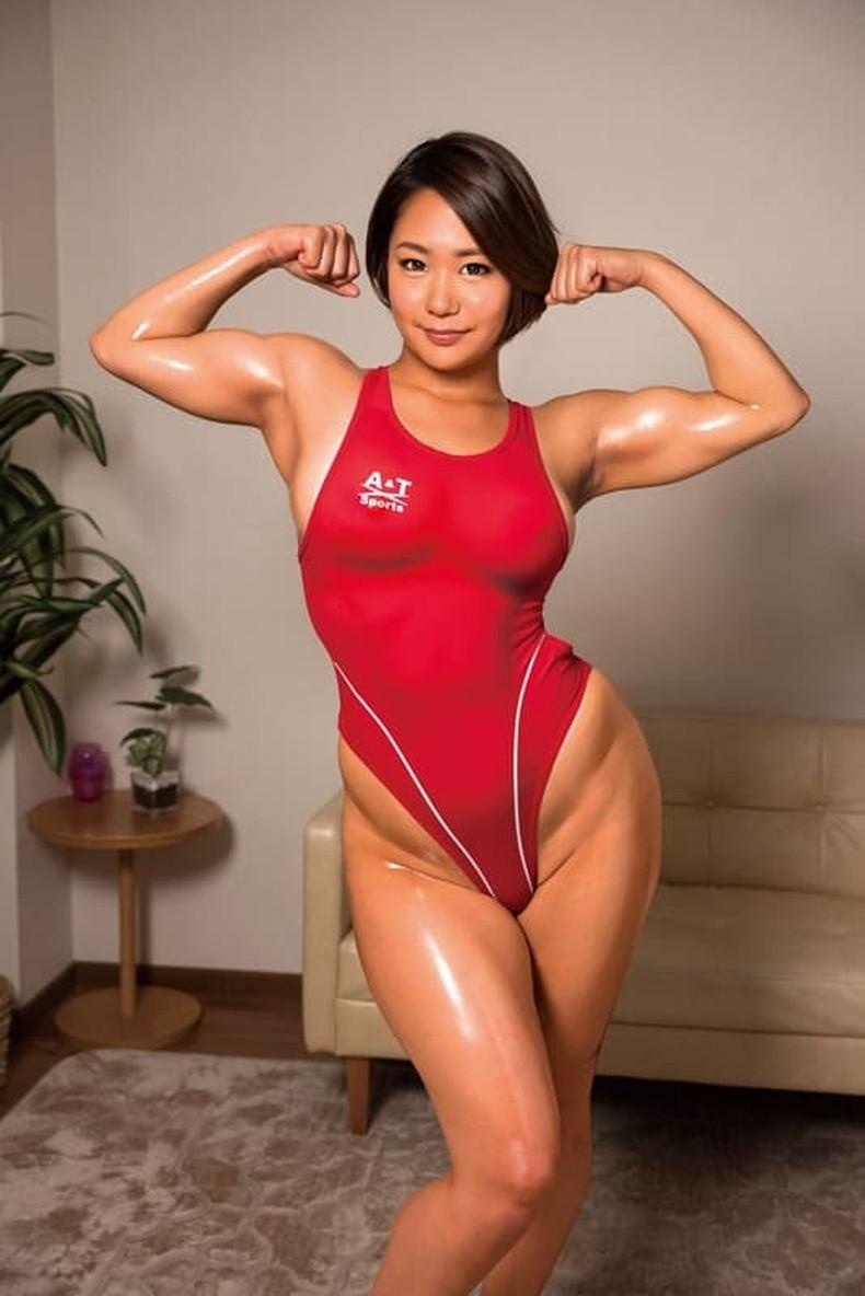 【おっぱい】筋力も性欲も強そそうなガッチリ肩幅女子のおっぱい画像集!ww【80枚】 79
