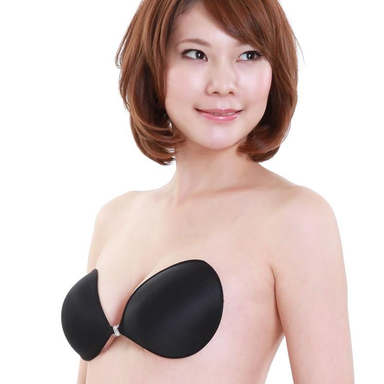 【おっぱい】通販サイトやカタログの下着モデルがセクシーランジェリーで胸チラしたり透け乳首状態になってる下着モデルのエロ画像集!ww【80枚】