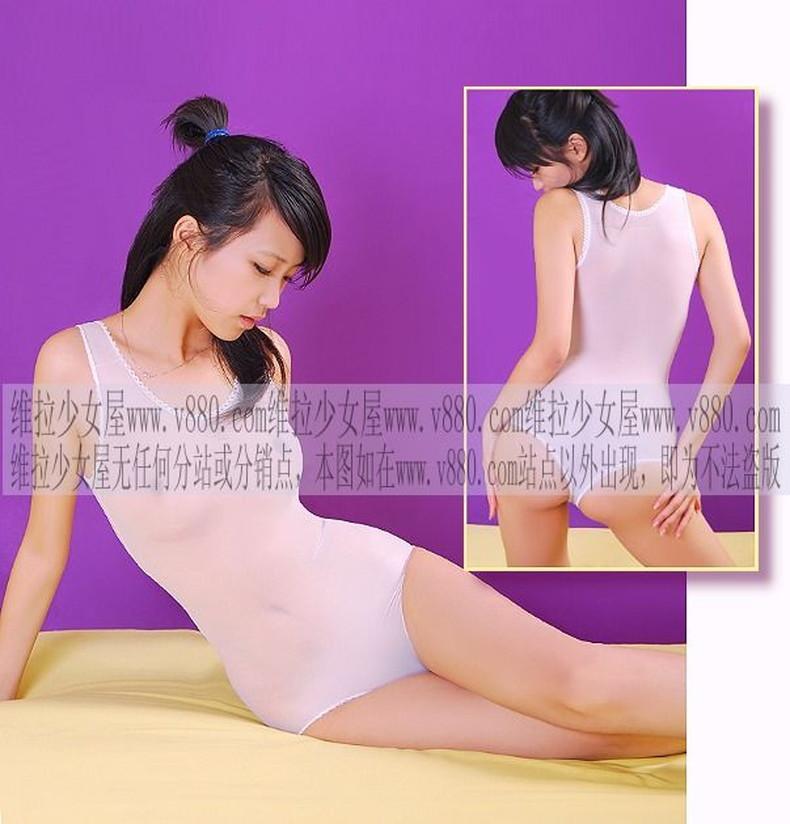 【おっぱい】通販サイトやカタログの下着モデルがセクシーランジェリーで胸チラしたり透け乳首状態になってる下着モデルのエロ画像集!ww【80枚】 68