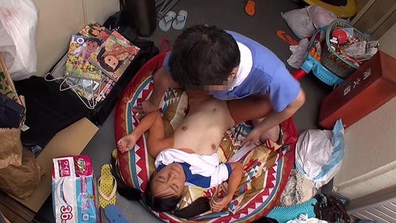 【おっぱい】超童顔で幼児体型過ぎてちっぱいがJSに見えちゃうJSみたいな乳首のおっぱい画像集!ww【80枚】 13