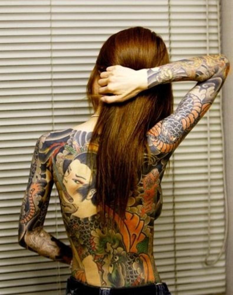 【おっぱい】イマドキ女子を脱がせておしゃれタトゥーがあったらヤリマン決定!!タトゥー入り美女のおっぱい画像集!w【80枚】 63