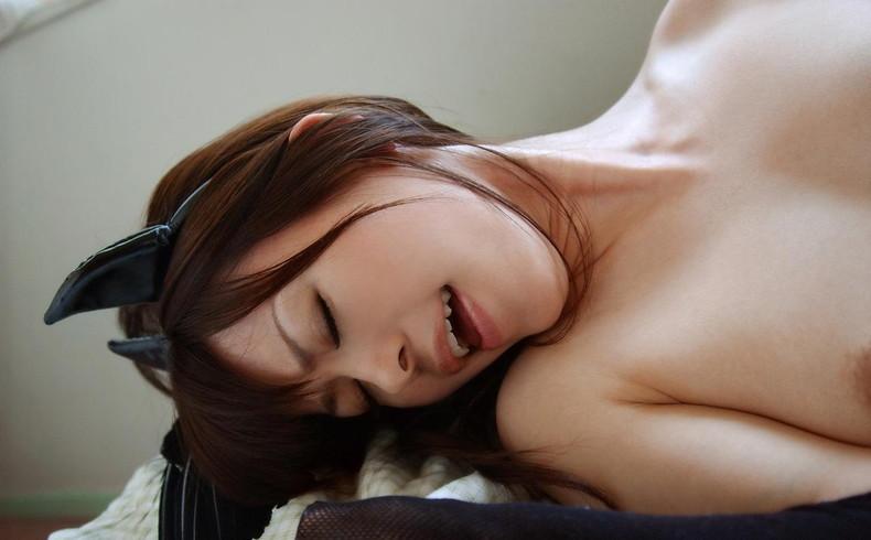 【おっぱい】巨根をブチ込まれてエビ反りしながら乳首をビンビンに勃起させて絶頂してるオーガズムおっぱい画像集!w【80枚】 11