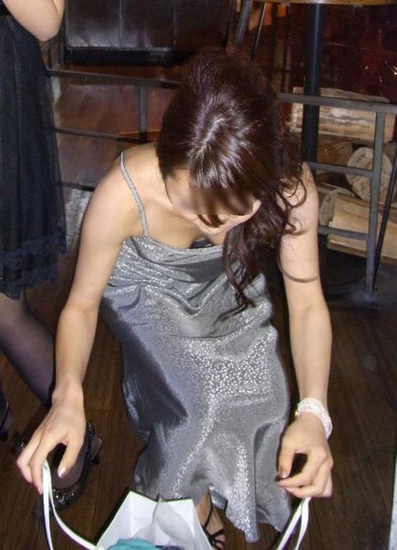 【おっぱい】パーティードレスやキャバ嬢のドレスをめくっておっぱいポロリさせてるドレスのおっぱい画像集!w【80枚】 40