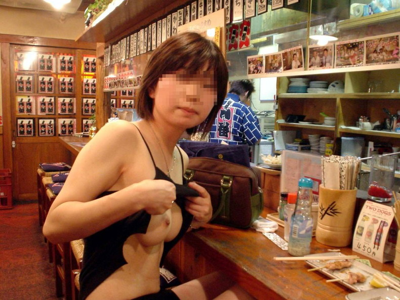 【おっぱい】泥酔し調子に乗って店内で乳首露出して寝取られちゃったww居酒屋おっぱい画像集【80枚】 31