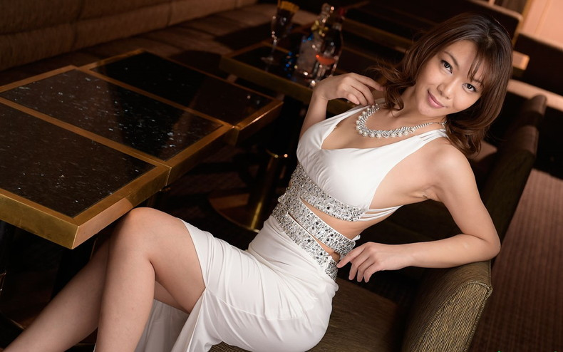 【おっぱい】キャバ嬢が谷間バッチリなドレスで誘惑して時にフェラしてご奉仕挿入してくれちゃうキャバ嬢おっぱい画像集w【80枚】 22