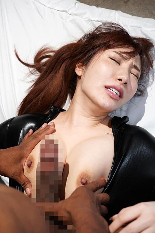 【おっぱい】黒人の巨根をパイズリできる巨乳ビッチがガチハメされてる黒人セックスのおっぱい画像集!w【80枚】 40