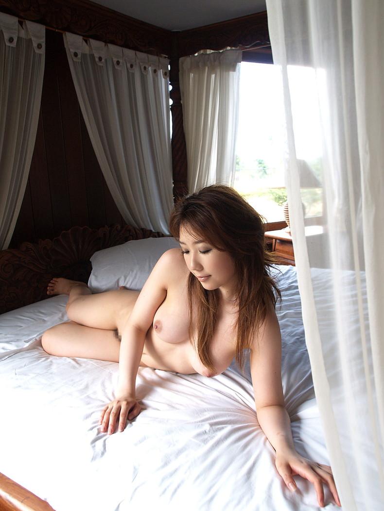 【おっぱい】元お嬢様の清楚妻が夫以外の男性に美乳を吸われて不倫セックスしてる清楚妻のおっぱい画像集!w【80枚】 27