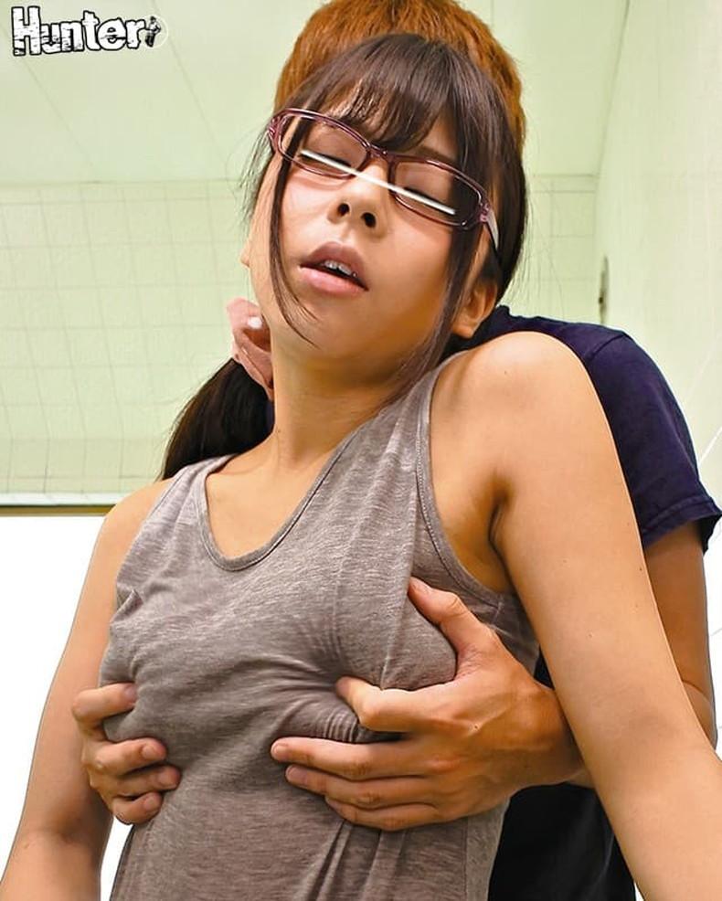 【おっぱい】メガネを取るとガチ美少女なロリ娘のおっぱいを舐めまくってる眼鏡美少女のおっぱい画像集!w【80枚】 30
