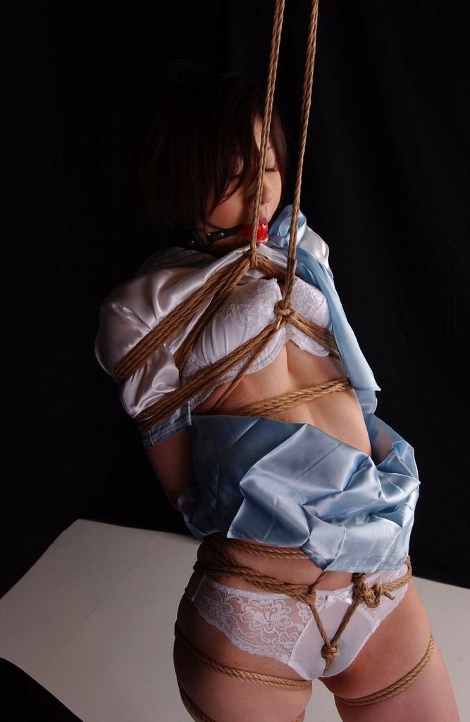 【おっぱい】SMアイテムであるボールギャグを装着させられ乳首勃起状態のドMなお姉さんたちのボールギャグおっぱい画像集w【80枚】 26