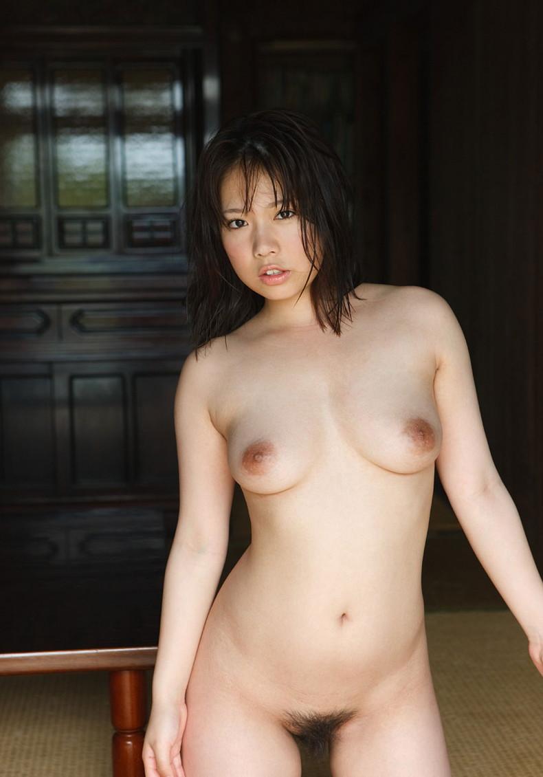 【おっぱい】ピンク乳首で見事なお椀型巨乳の美しいおっぱい画像集!w【80枚】 49