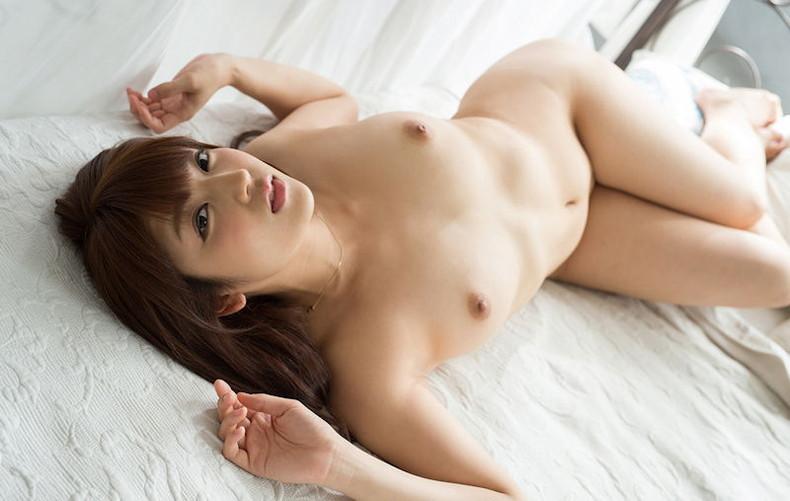 【おっぱい】仰向けで晒す美女の潰れたおっぱいや陰毛がエロ過ぎる仰向けヌードのおっぱい画像集!ww【80枚】 59