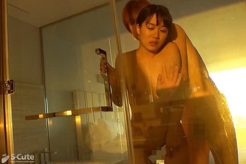 【おっぱい】清楚な女子アナ系のお嬢さんが美乳を晒して乳首を吸われてる女子アナ系美女のおっぱい画像集!w【80枚】 20