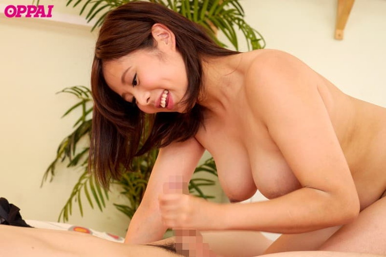 【おっぱい】清楚な女子アナ系のお嬢さんが美乳を晒して乳首を吸われてる女子アナ系美女のおっぱい画像集!w【80枚】 49