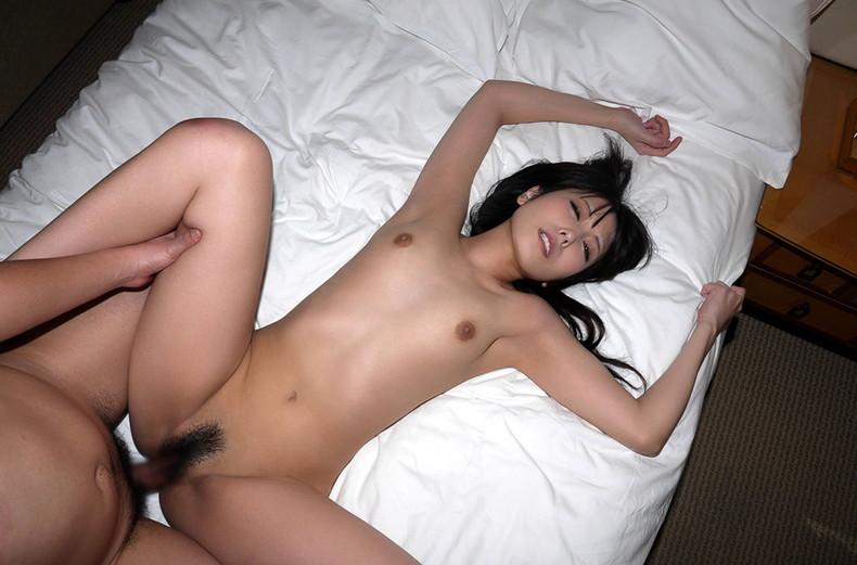 【おっぱい】正常位でピストンしながら揺れるおっぱいが揉み放題!正常位セックスのおっぱい画像集!w【80枚】 21