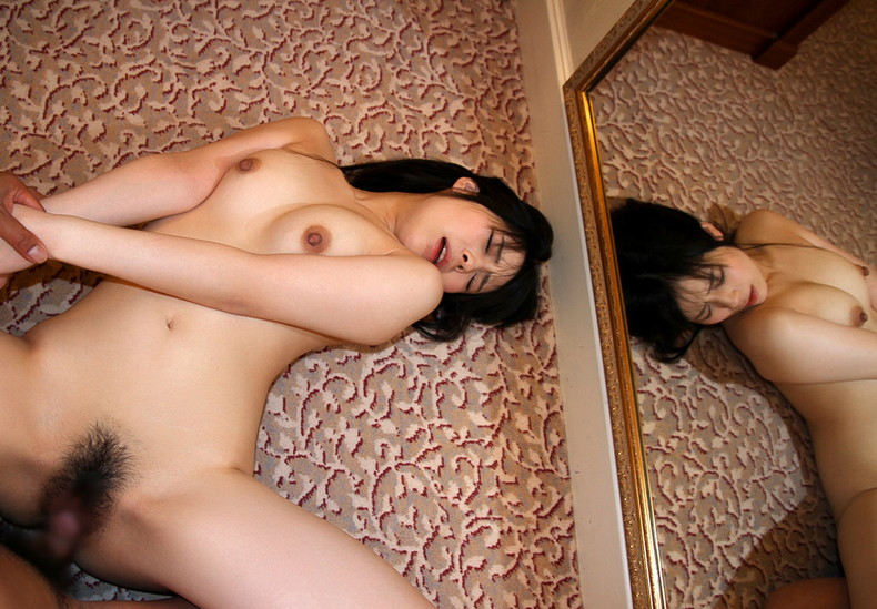 【おっぱい】正常位でピストンしながら揺れるおっぱいが揉み放題!正常位セックスのおっぱい画像集!w【80枚】 65