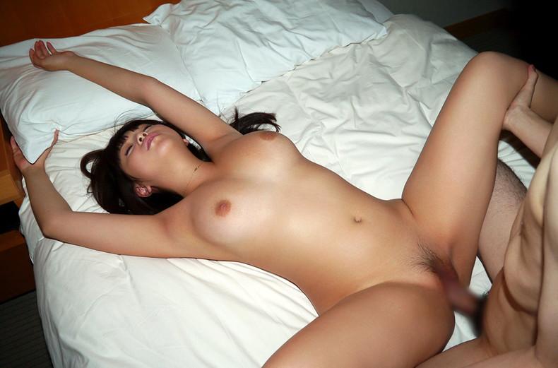 【おっぱい】正常位でピストンしながら揺れるおっぱいが揉み放題!正常位セックスのおっぱい画像集!w【80枚】 76