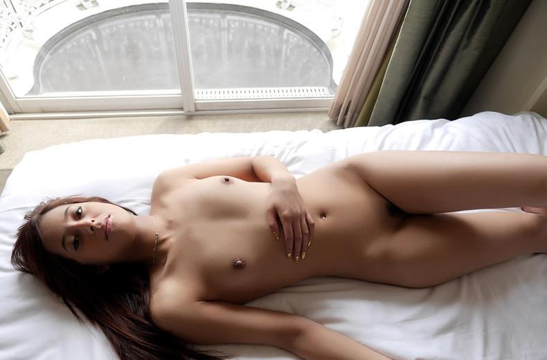【おっぱい】ふさふさ陰毛と美乳の組み合わせがエロ過ぎるヘアヌード美女のおっぱい画像集!w【80枚】 13