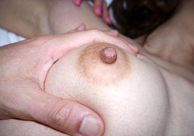 【おっぱい】勃起した乳首やピンクの乳輪が好き過ぎて超マクロで撮影しちゃった乳頭接写のおっぱい画像集ww【80枚】 03