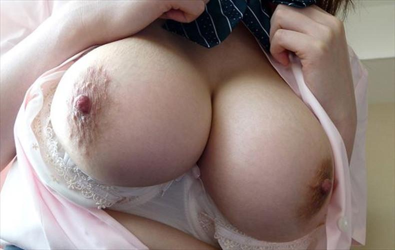 【おっぱい】勃起した乳首やピンクの乳輪が好き過ぎて超マクロで撮影しちゃった乳頭接写のおっぱい画像集ww【80枚】 16