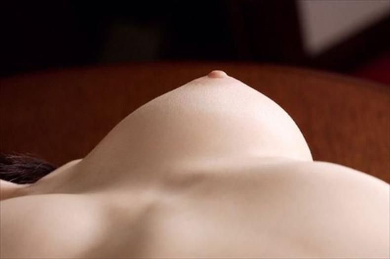 【おっぱい】勃起した乳首やピンクの乳輪が好き過ぎて超マクロで撮影しちゃった乳頭接写のおっぱい画像集ww【80枚】 21